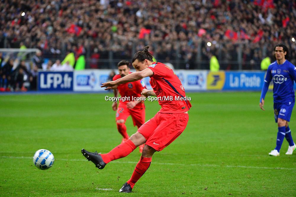 But Zlatan IBRAHIMOVIC    - 11.04.2015 -  Bastia / PSG - Finale de la Coupe de la Ligue 2015<br />Photo : Dave Winter / Icon Sport