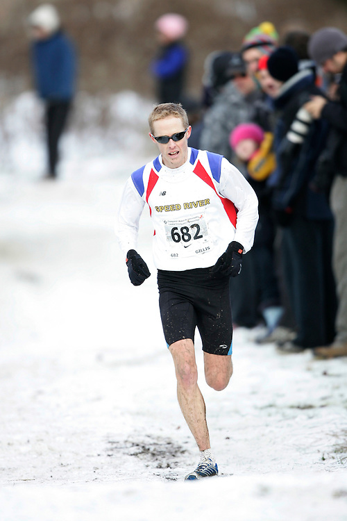 Guelph, Ontario ---29/11/08---  ERIC GILLIS runs the senior mens race at the 2008 AGSI Canadian Cross Country Nationals in Guelph, Ontario November 29, 2008..GEOFF ROBINS Mundo Sport Images