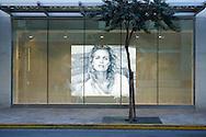 USA, Hawaii, Oahu, Honolulu,Waikiki, shop on Kalakaua Avenue