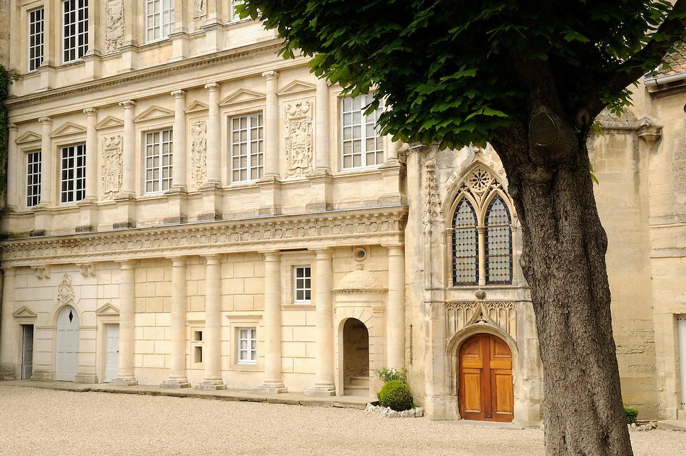 France, Languedoc Roussillon, Gard, Uzège, Uzès, le Duché, façade renaissance