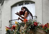 22/08/12 - AURILLAC - CANTAL - FRANCE - Ceremonie d ouverture du 27e Festival de Theatre de rue d Aurillac. ECLAT 2012 - Photo Jerome CHABANNE