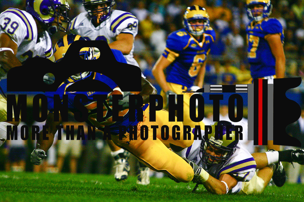 9/4/09  Newark, DE: Delaware Running Back David Hayes #28 scores in the fourth touchdown as Delaware defense Shuts Down West Chester as Hens Win Big in Season Opener.