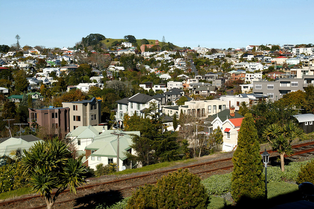 Suburban residential Auckland looking from Newmarket to Remuera and Mt Hobson, New Zealand, June 26, 2006. Credit:SNPA / Rob Tucker