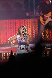 COSTA MESA, California (Thursday, July 23, 2009) - Former American Idol singer Kelly Clarkson gives a solid performance at the Pacific amphitheater July 23, 2009 during the Orange County Fair 2009. Photo: Eduardo E. Silva