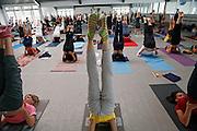 Milano, festival dello yoga al superstudio , lezione di Hata Yoga....Milan, yoga festival, Hata Yoga lesson