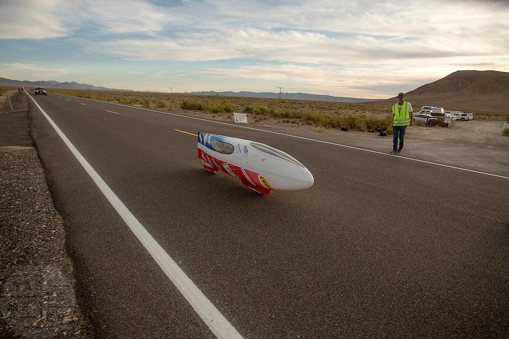 Yannick Lutz in de Altair 3 op de vijfde racedag van de WHPSC. In de buurt van Battle Mountain, Nevada, strijden van 10 tot en met 15 september 2012 verschillende teams om het wereldrecord fietsen tijdens de World Human Powered Speed Challenge. Het huidige record is 133 km/h.<br /> <br /> Yannick Lutz in the Altair 3 on the fifth day of the WHPSC. Near Battle Mountain, Nevada, several teams are trying to set a new world record cycling at the World Human Powered Vehicle Speed Challenge from Sept. 10th till Sept. 15th. The current record is 133 km/h.