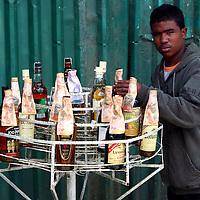 Botellas en el Junquito. 31-08-2008 (ivan gonzalez)