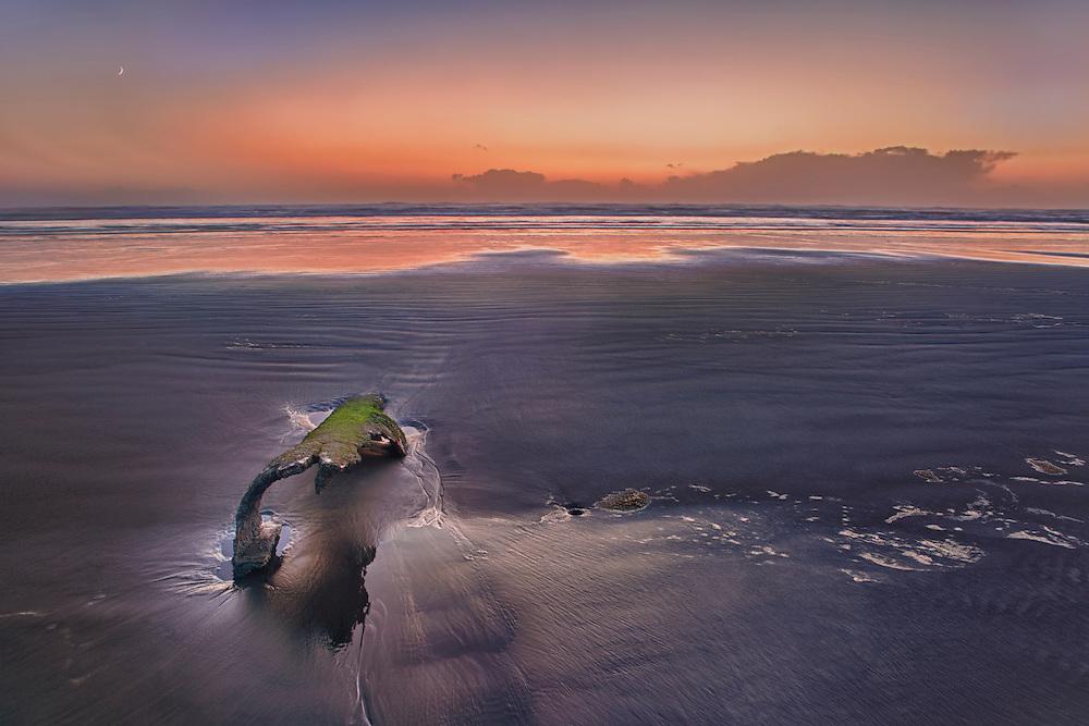 Peter Iredale Shipwreck Beached Remains - Dusk - Oregon Coast