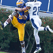 Delaware WR (#5) Rob Jones catches a 9 yard touchdown pass from QB (#17) Pat Devlin in the second quarter. No.1 Delaware loses to  No. 15 Villanova 28-21 on a brisk Saturday afternoon at Delaware stadium in Newark Delaware...Delaware will have to wait until Sunday 11/21/10 to receive a NCAA Tournament playoff berth.