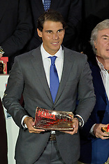 NV 26 2013 Rafael Nadal receives