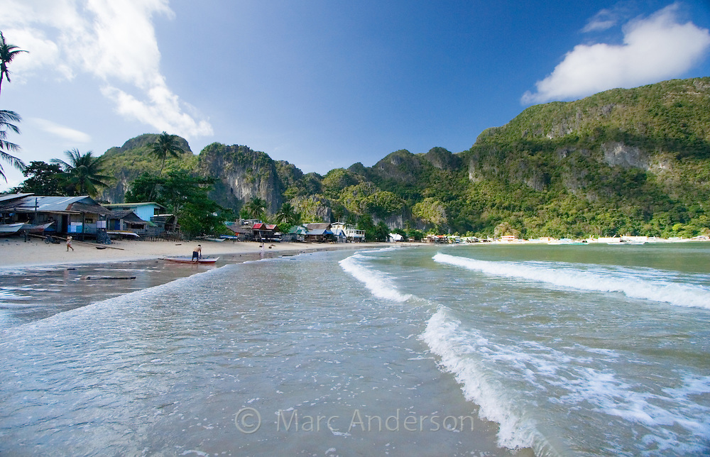 Waves rolling onto a tropical beach, El Nido, Palawan, Philippines