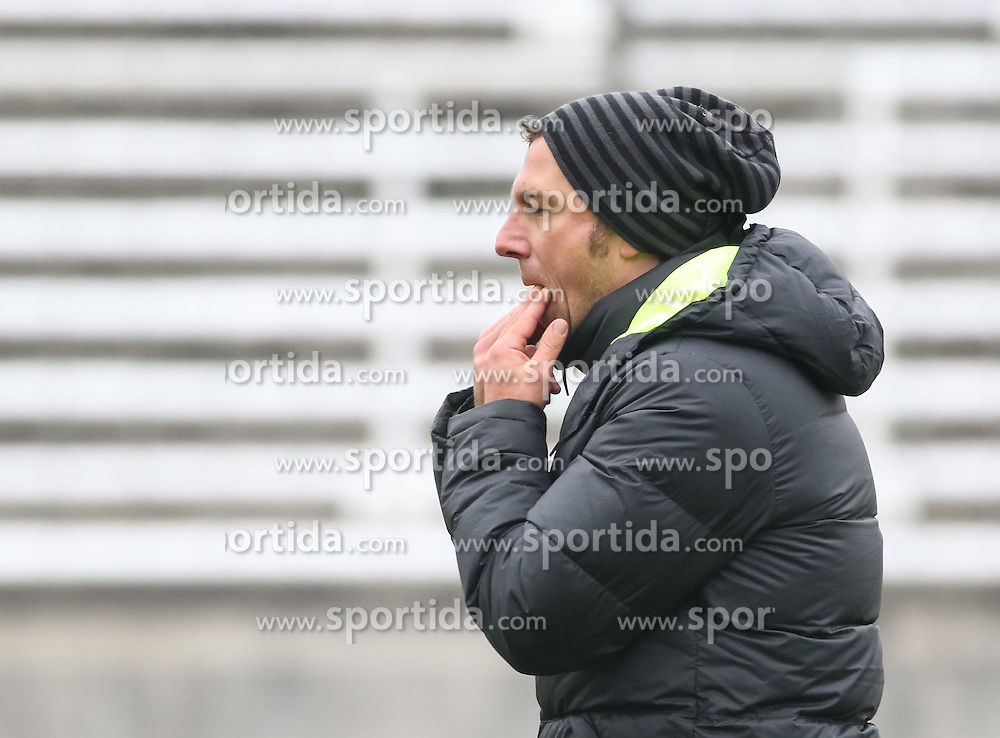 17.02.2015, Trainingsgel&auml;nde, Augsburg, GER, 1. FBL, FC Augsburg, Training, im Bild Markus Weinzierl (Trainer FC Augsburg) pfeift auf den Fingern auf dem Trainingsplatz, // during a trainingssession of the german 1st bundesliga club FC Augsburg at the Trainingsgel&auml;nde in Augsburg, Germany on 2015/02/17. EXPA Pictures &copy; 2015, PhotoCredit: EXPA/ Eibner-Pressefoto/ Krieger<br /> <br /> *****ATTENTION - OUT of GER*****