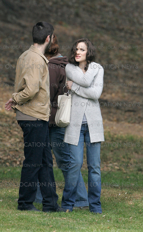 April 6, 2007 Los Angeles, CA. Winona Ryder and Ray Romano on the set of The Last Word. Winona Ryder plays with a crew members baby that will be used in a scene. Non Exclusive Photo By Eric Ford 1/818-613-3955 info@onlocationnews.com