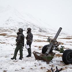 Exercice Cerces 2016 organis&eacute; par la 27&egrave;me Brigade d'Infanterie de Montagne aux Rochilles / Mont Thabor. Manoeuvre interarmes &agrave; tir r&eacute;els des chasseurs alpins permettant l'entra&icirc;nement de l'infanterie, l'artillerie, la cavalerie et les GCM de la 27eBIM. <br /> Novembre 2016 / Valloire (73) / FRANCE<br /> Voir le reportage complet (179 photos)<br /> http://sandrachenugodefroy.photoshelter.com/gallery/2016-11-Exercice-Cerces-a-Valloire-Complet/G0000g4qouEOsuGU/C0000yuz5WpdBLSQ