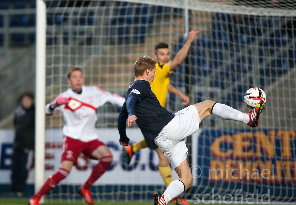 Falkirk's Jay Fulton misses.<br /> Falkirk 4 v 1 Livingston, Scottish Championship game played today at the Falkirk Stadium.<br /> &copy;Michael Schofield.