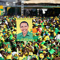 Dar Es Salaam, 30 October 2010<br /> Tanzanian partisans of CCM party gathered in a political rally before the presidential elections. <br /> The European Union has launched an Election Observation Mission in Tanzania to monitor the general elections, responding to the Tanzanian government invitation to send observers for all aspects of the electoral process.<br /> The EU sent this observation mission led by Chief Observer David Martin, a member of the European Parliament. <br /> PHOTO: EZEQUIEL SCAGNETTI