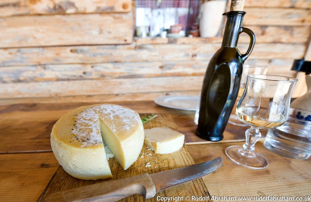 Traditionally made goats cheese, Ranch Goli Vrh, near Buje ...