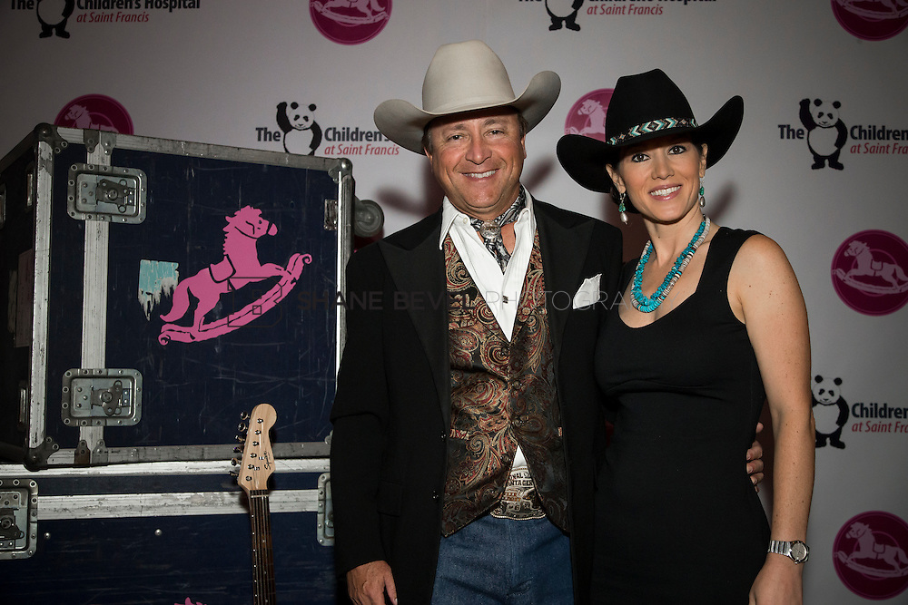 11/1/13 7:01:52 PM --- 2013 Painted Pony Ball for The Children's Hospital at Saint Francis with Chris Young and Dwight Yoakam. <br /> <br /> Photo by Shane Bevel