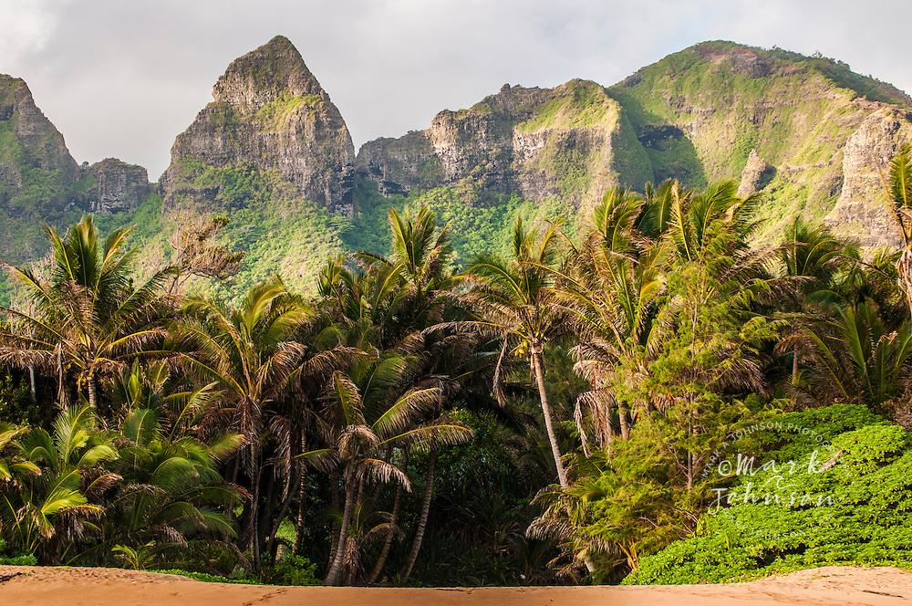 Aliomanu Beach & Kalalea Mountains, Kauai, Hawaii