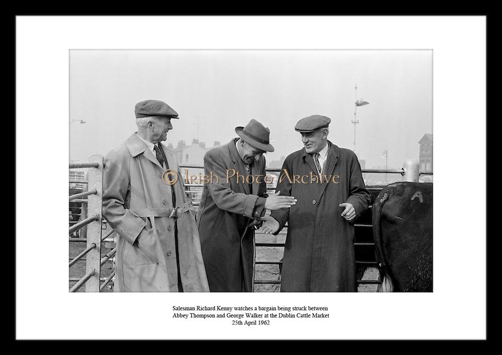 Waehlen Sie ein Bild als Weihnachtsgeschenk aus verschieden historischen Bildern aus Irland aus dem Irish Photo Archive..Irland geliefert in die USA. Geschenkideen für Papa,  weitere kreative und einzigartige Geburtstagsgeschenke für Vaeter von der Tochter.