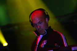 Mylo on stage at the Isle of Skye festival, 2007..Pic ©2010 Michael Schofield. All Rights Reserved..