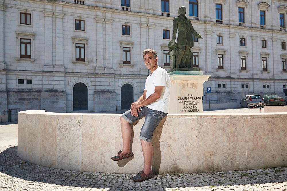 Lisboa, 06/08/2016 - M&aacute;rio Carvalho de Jesus, soldador de profiss&atilde;o, foi condenado a seis meses de pris&atilde;o, pena suspensa por um ano, por ter incorrido no crime de desrespeito ao parlamento por, enquanto assistia a um debate, ter gritado uma frase a Pedro Passos Coelho.<br /> (Paulo Alexandrino / Global Imagens)