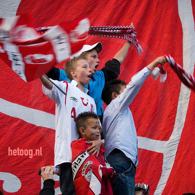 fctwente voetbalfans vieren overwinning op ajax