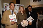 9/29/2003 - GI - Madonna Book event