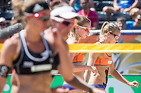 ROTTERDAM - Knock-out fase beste 32 ploegen Van der Vlist / Van Gestel (NED) tegen Semmler / Holtwick (Duitsland) , Beachvolleybal , WK Beach Volleybal 2015 , Stadion bij de SS Rotterdam , 01-07-2015 , Jantine van der Vlist uit Nederland (r) en Sophie van Gestel uit Nederland (l) verliezen hun wedstrijd en gaan teleurgesteld naar de kant