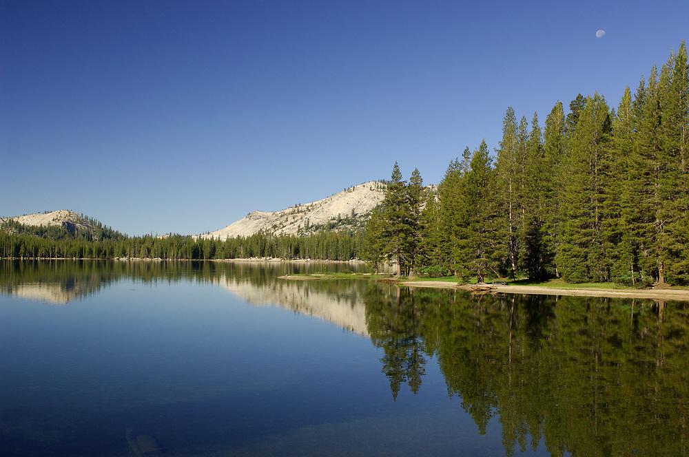 Tenaya Lake along Tioga Pass Road, Yosemite National Park, California, United States of America