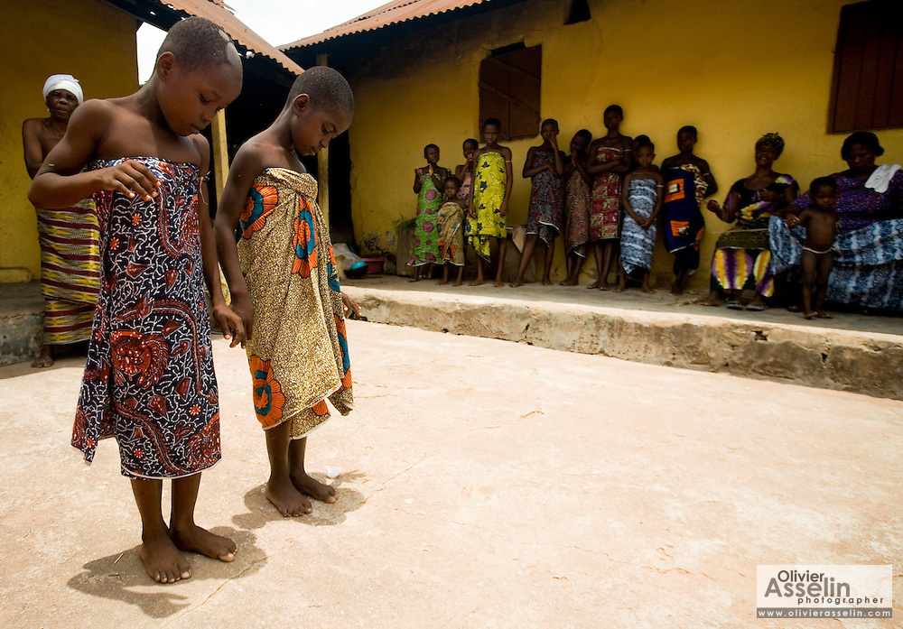 puberty rites Rites of passage into practice  there are some programs or directives that exist specifically for the purpose of fostering positive rites of passage in the lives of.