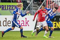 UTRECHT - FC Utrecht - SC Heerenveen , Voetbal , Eredivisie , Seizoen 2016/2017 , Stadion Galgenwaard , 05-02-2017 ,   FC Utrecht speler Richairo Zivkovic (m) in duel met SC Heerenveen speler Stefano Marzo (r) en SC Heerenveen speler Morten Thorsby (l)