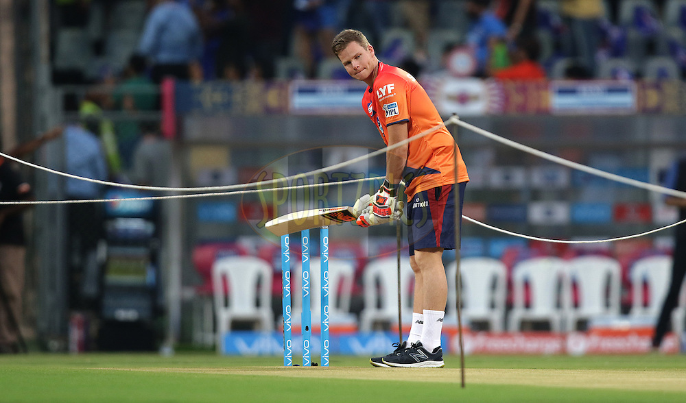Steve Smith of Pune Supergiants practice before match during match 1 of the Vivo Indian Premier League ( IPL ) 2016 between the Mumbai Indians and the Rising Pune Supergiants held at the Wankhede Stadium in Mumbai on the 9th April 2016<br /> <br /> Photo by Rahul Gulati/ IPL/ SPORTZPICS