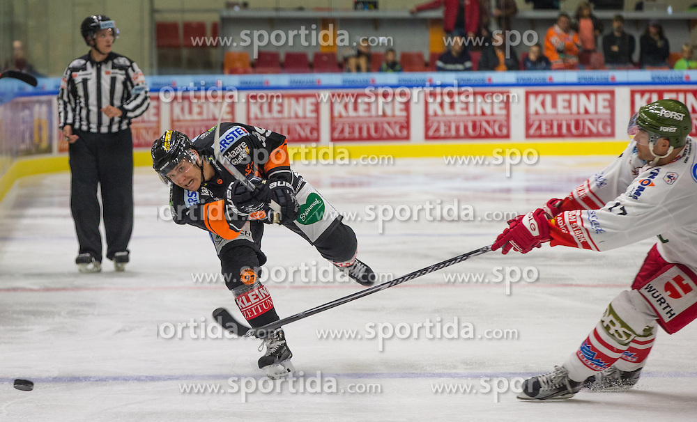 11.09.2015, Eisstadion Liebenau, Graz, AUT, EBEL, Moser Medical Graz 99ers vs HCB Suedtirol, 1. Runde, im Bild Matthew Fornataro (Moser Medical Graz 99ers), Alexander Egger (HCB Suedtirol) // during the Erste Bank Icehockey League 1st round match between Moser Medical Graz 99ers and HCB Suedtirol at the Eisstadion Liebenau in Graz, Austria on 2015/09/11. EXPA Pictures © 2015, PhotoCredit: EXPA/ Dominik Angerer