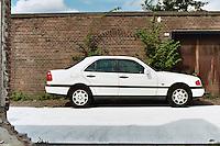 A white mercedes, Schiedam