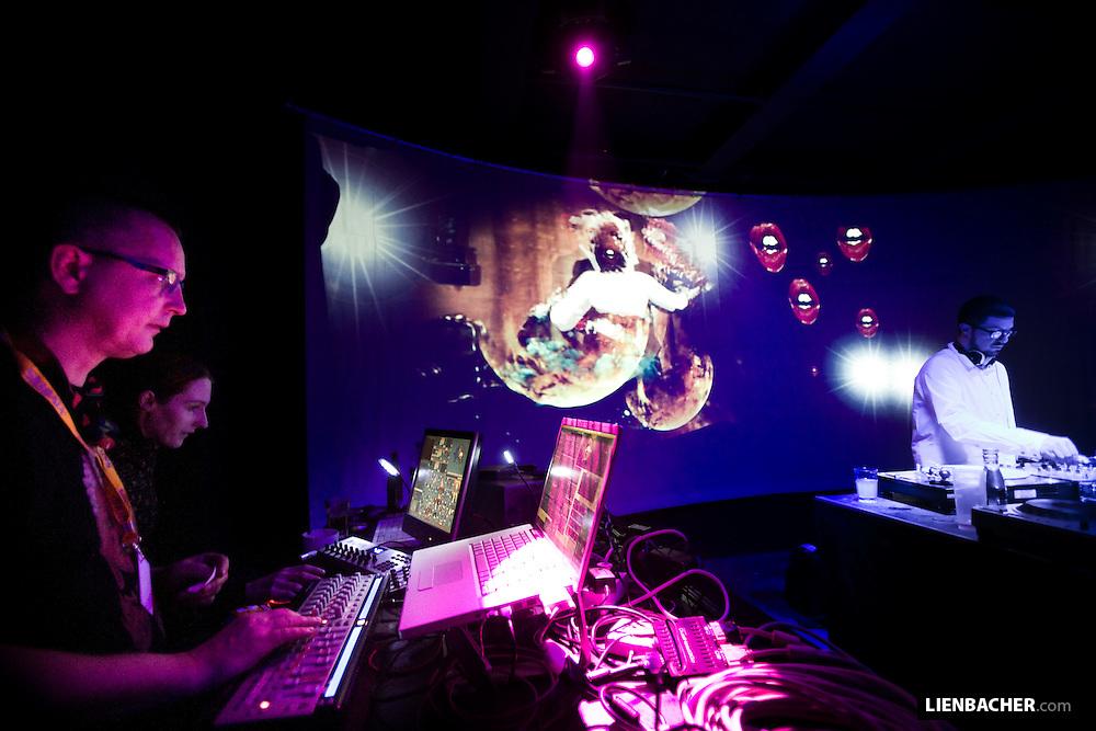 DJ Heiko Laux vs Fritz Fitzke Visuals @ SAKOG reopening party