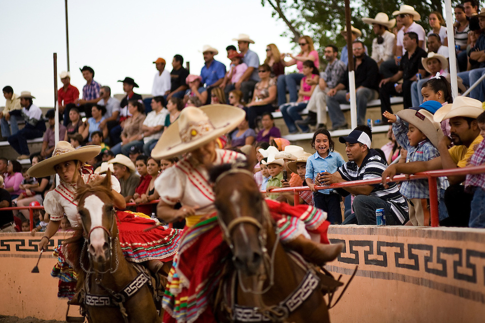 von ormy single guys Mayor art martinez de vara, von ormy,  von ormy tops the list of best places near san antonio for singles in 2015  there are two men and a woman and child with.
