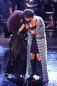 4/13/1999 - 1999 VH1 Divas Live