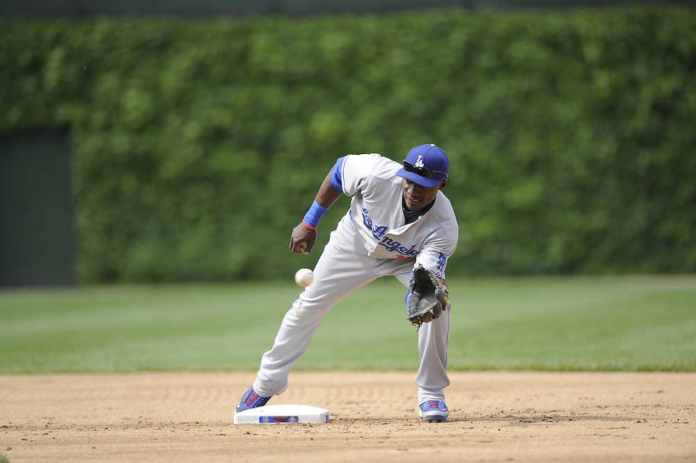 CHICAGO - MAY 30:  Orlando Hudson #13 of the Los Angeles Dodgers catches the ball at second base against the Chicago Cubs on May 30, 2009 at Wrigley Field in Chicago, Illinois.  The Cubs defeated the Dodgers 7-0.  (Photo by Ron Vesely)