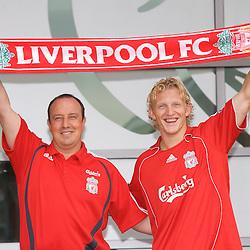060816 Liverpool sign Dirk Kuyt