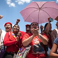 Venezuelans wait for the funeral of President Hugo Chavez. Venezuelan President Hugo Chavez lost his life after a two-year battle against cancer. Caracas, March. 08, 2013 (Photo / Ivan Gonzalez)