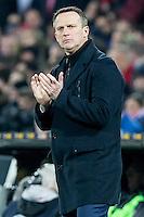 ROTTERDAM - Feyenoord - AZ , Voetbal , Seizoen 2015/2016 , Halve finales KNVB Beker , Stadion de Kuip , 03-03-2016 , AZ trainer John van den Brom moedigt zijn ploeg aan
