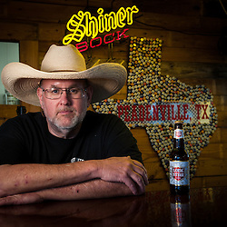 Jim Mclennan, owner & pitmaster, Hash knife on the Chisolm Peadenville, Texas
