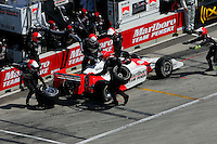 Helio Castroneves pits at the Milwaukee Mile, ABC Supply Co./AJ Foyt 225, July 25, 2005