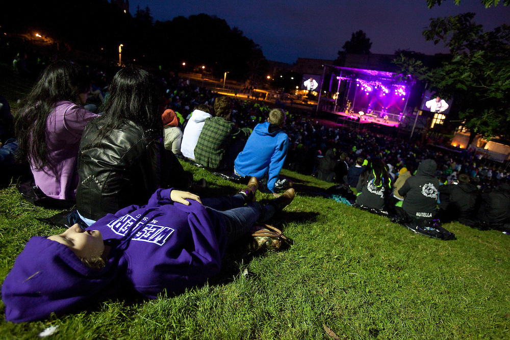 London, Ontario ---11-09-07--- First year students watch a concert which featured canadian singer Steven Page during frosh week at the University of Western Ontario, in London, Ontario, September 7, 2011. The event also focused on social issues for students including mental health, sexuality and gender equality.<br /> GEOFF ROBINS The Globe and Mail