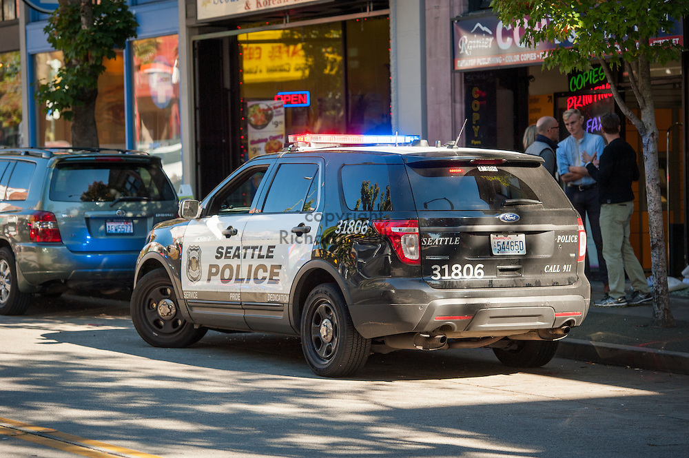 2016 October 11 - Seattle Police Department Ford vehicle in the University District, Seattle, WA, USA. By Richard Walker