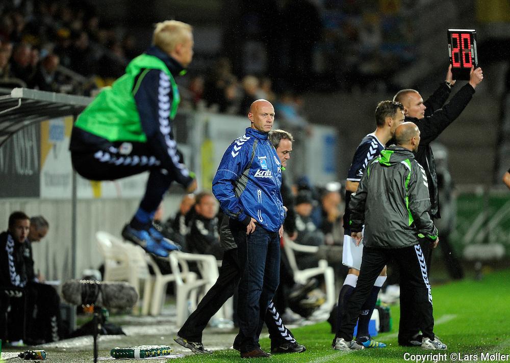 DK Caption:<br /> 20110829, Horsens, Danmark:<br /> Superliga fodbold, AC Horsens - AGF:<br /> Cheftr&aelig;ner / Teamcoach Peter S&oslash;rensen, AGF.<br /> Foto: Lars M&oslash;ller<br /> <br /> UK Caption:<br /> 20110829, Horsens, Denmark:<br /> Superleague football  AC Horsens - AGF<br /> Cheftr&aelig;ner / Teamcoach Peter S&oslash;rensen, AGF.<br /> Photo: Lars Moeller