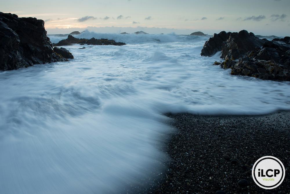 Crashing waves at the north end of Mar Brava.