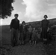 family group .15/07/1958 .<br /> Poor irish family, Children dont have any shoe,
