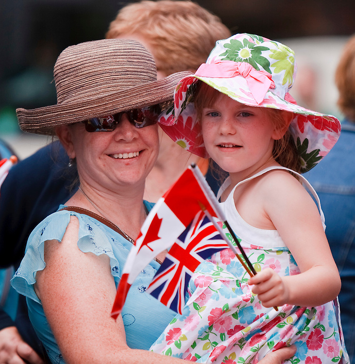 Fans of Britain's Prince William and his wife Catherine the Duchess of Cambridge gather hours before the couple's arrival at the National War Memorial in Ottawa, Canada,  June 30, 2011, the first stop on their nine-day tour of Canada, kicking off their first official foreign trip as husband and wife.<br /> AFP PHOTO/GEOFF ROBINS